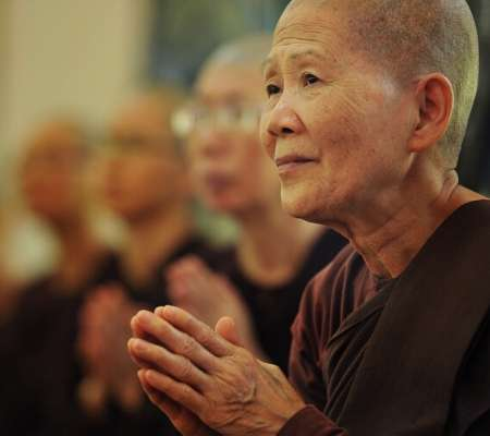 Tradiciones-del-Budismo